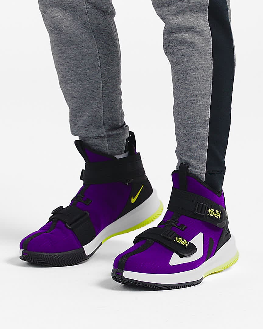 lebron flyease extra wide