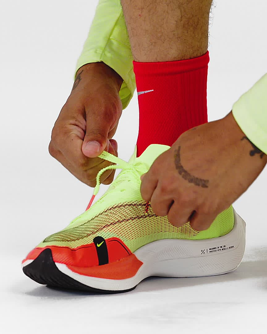 Chaussures de course Nike ZoomX Vaporfly Next% 2 pour Homme. Nike LU