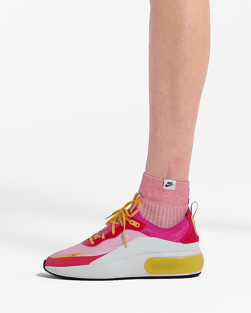 Nike Air Max Dia SE Women's Shoe. Nike AT
