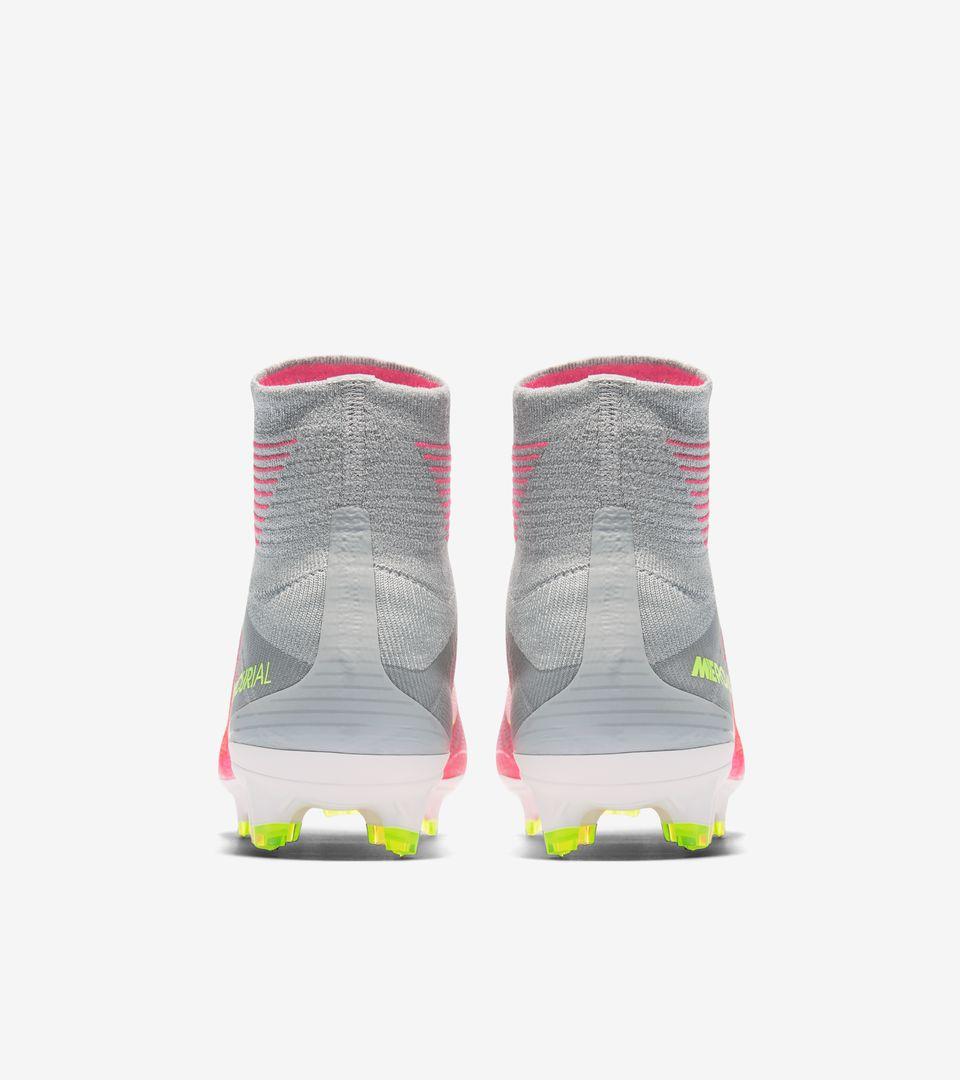 9ea9bd876c1 Nike Women s Mercurial Superfly 5  Motion Blur . Nike.com
